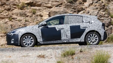 2018 Ford Focus spy shot side