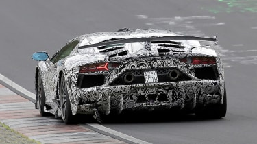 Lamborghini Aventador SVJ - spyshot full rear