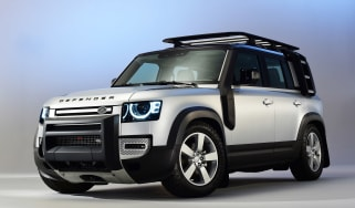 Land Rover Defender - studio front
