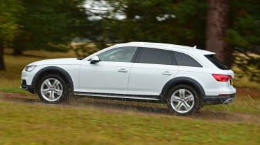 Audi A4 Allroad UK 2016 - offroad side