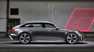 Audi RS 6 Avant - side