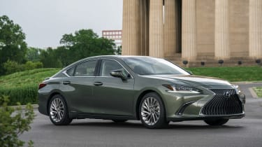 Lexus ES - front/side static