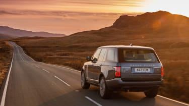 Range Rover 2018 rear tracking