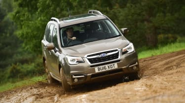 Subaru Forester - front off-road action