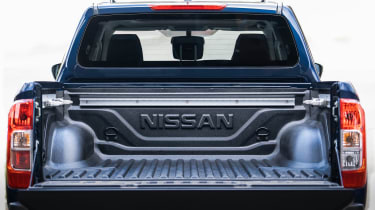 Nissan Navara Double Cab - load bed