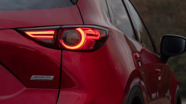 Mazda CX-5 2.0 - rear light