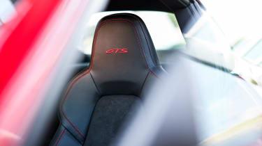 Porsche 911 GTS - seat