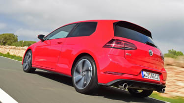 Volkswagen Golf GTI 2017 facelift red - rear tracking