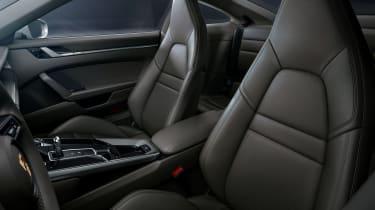 Porsche 911 Carrera 4 - seats