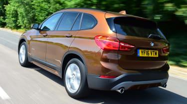 BMW X1 2016 - rear tracking