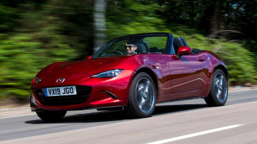 Mazda MX-5 - front driving