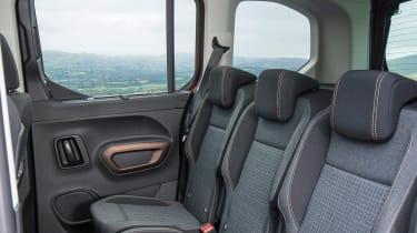 Peugeot Rifter Allure BlueHDI diesel rear seats