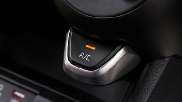 Triple test –Kia Picanto - AC button