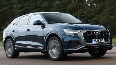 Audi Q8 - Front Tracking