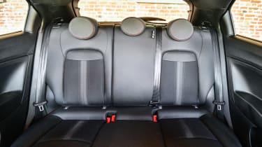 Fiat 500 X Sport - back seats