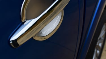 Mitsubishi L200 - door handle