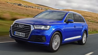 Used Audi Q7 - front action