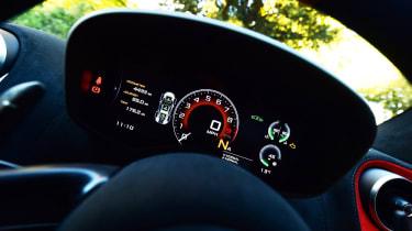 McLaren 600LT - dials