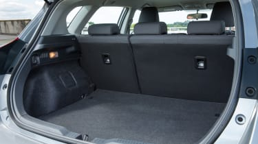 Toyota Auris Hybrid 2016 - boot space