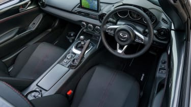Mazda MX-5 RF 2017 1.5 UK - interior