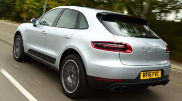 Porsche Macan S - rear tracking