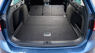Volkswagen Passat Alltrack - seats folded