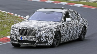 The new Ghost will ditch the previous-model's BMW 7 Series underpinnings and become a proper part of the Rolls family with an aluminium space-frame chassis, based on the larger Phantom.