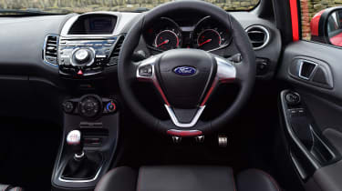 Ford Fiesta ST 5-door - dash