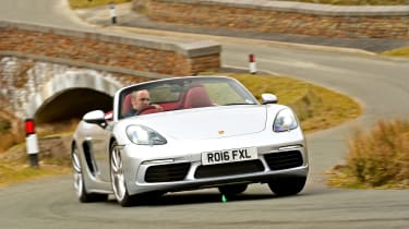 New Porsche 718 Boxster 2016 - front cornering