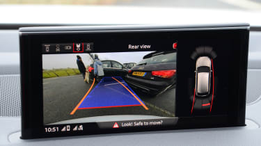 Audi SQ7 long term test - first report reversing camera