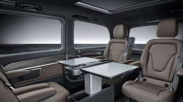 Mercedes V-Class facelift - studio seats with table