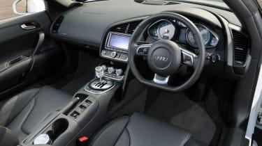 Audi R8 Spyder 4.2 FSI interior