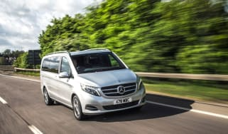 Mercedes V-Class - driving front