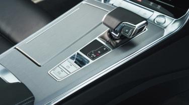 Audi A6 Avant - gearstick