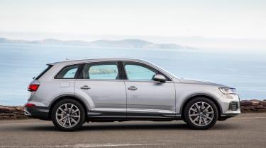Audi Q7 - side static