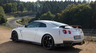Nissan GT-R Track Edition - side static