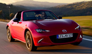 Mazda MX-5 RF 2017 - front tracking