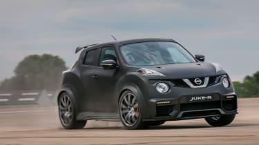 Nissan Juke-R handling