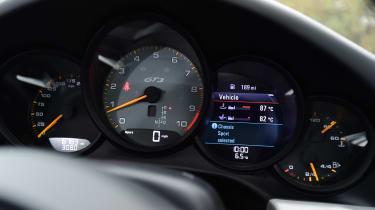 Porsche 911 GT3 - dials