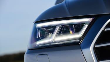 Audi Q5 - front light detail