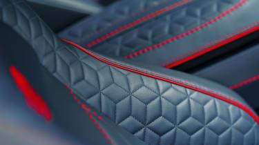 Aston Martin DBS Superleggera - seat