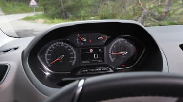 Peugeot Rifter dials