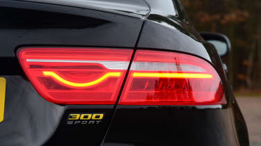 Jaguar XE 300 Sport - rear light