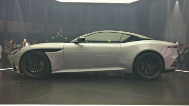 Aston Martin DBS Superleggera - reveal side