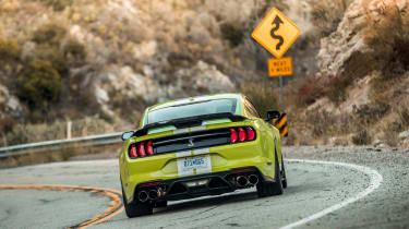 Ford Mustang Shelby GT500 - rear cornering