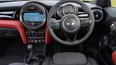 MINI Cooper D 2014 interior