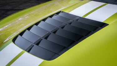 Ford Mustang Shelby GT500 - bonnet louvres
