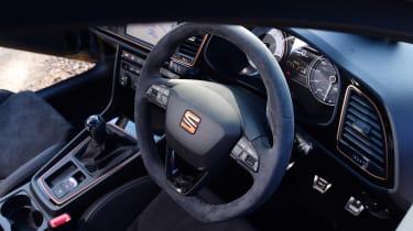 SEAT Leon Cupra R - interior