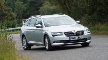 Skoda Superb Estate - front cornering