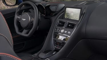 Aston Martin DBS Superleggera Volante - dash